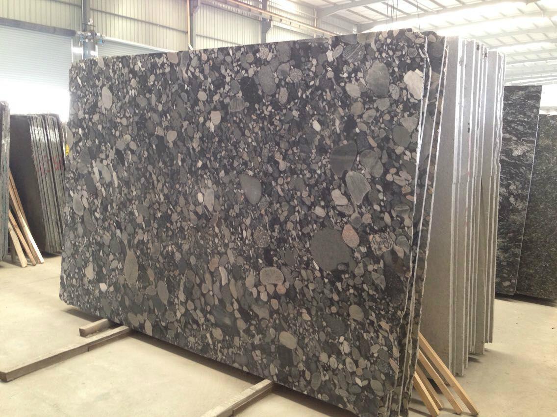 Pebble red granite slab