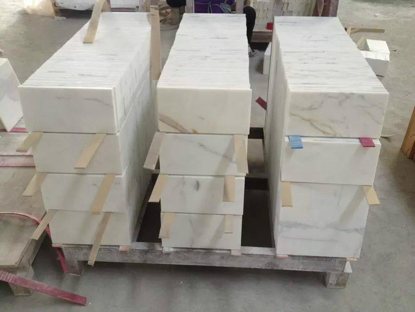10mm Thick Calacatta Marble Floor Tile China Manufacturer Marble