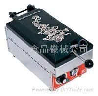 Japanese goyza fryer   eletric heating single or double side for choosen