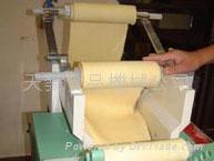 日本小型制麵機(打粉延壓切麵一體化完成)二手 3