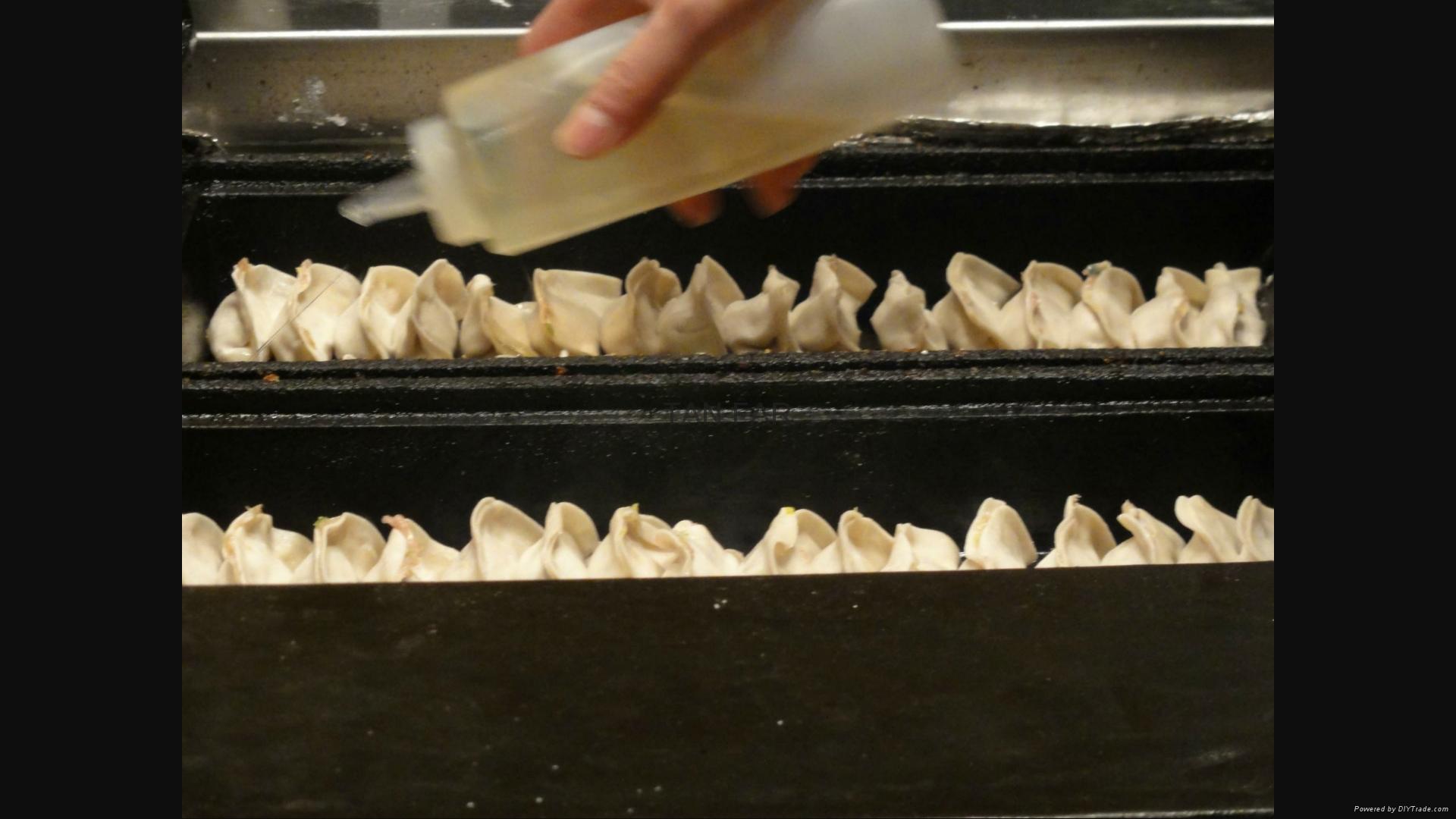 日本龙煎饺子炉   电加热 两板或单板型号 4