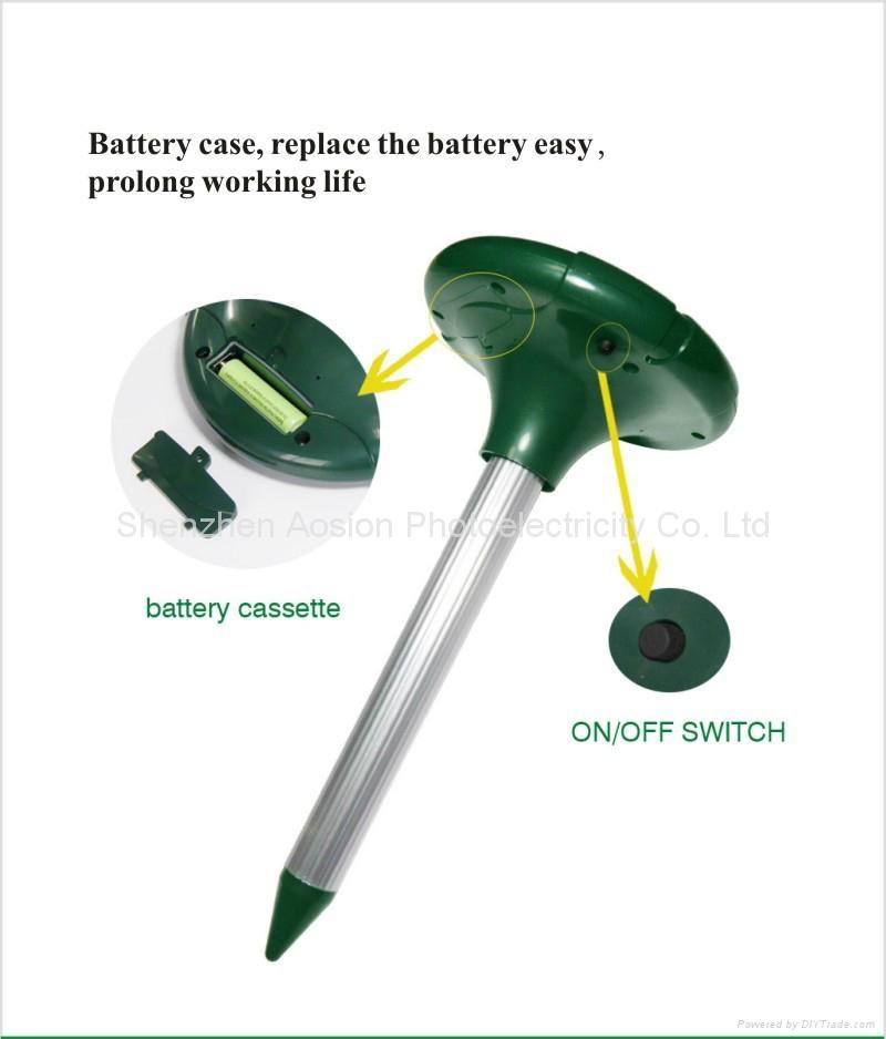 变频带电池门太阳能驱鼠器 8
