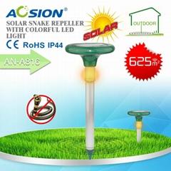 Solar  snake repeller with LED light