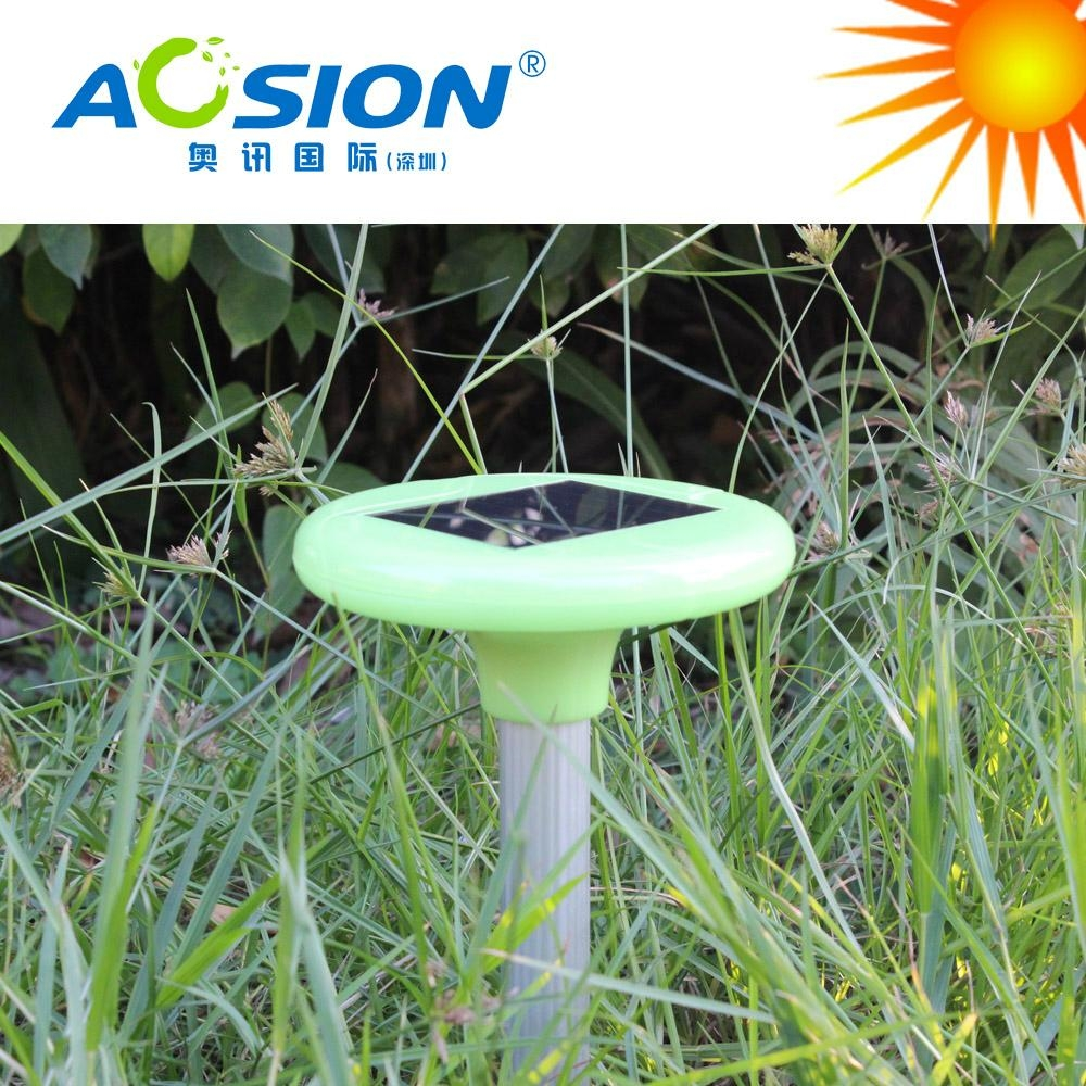 Solar rodent repeller with bright garden light 7