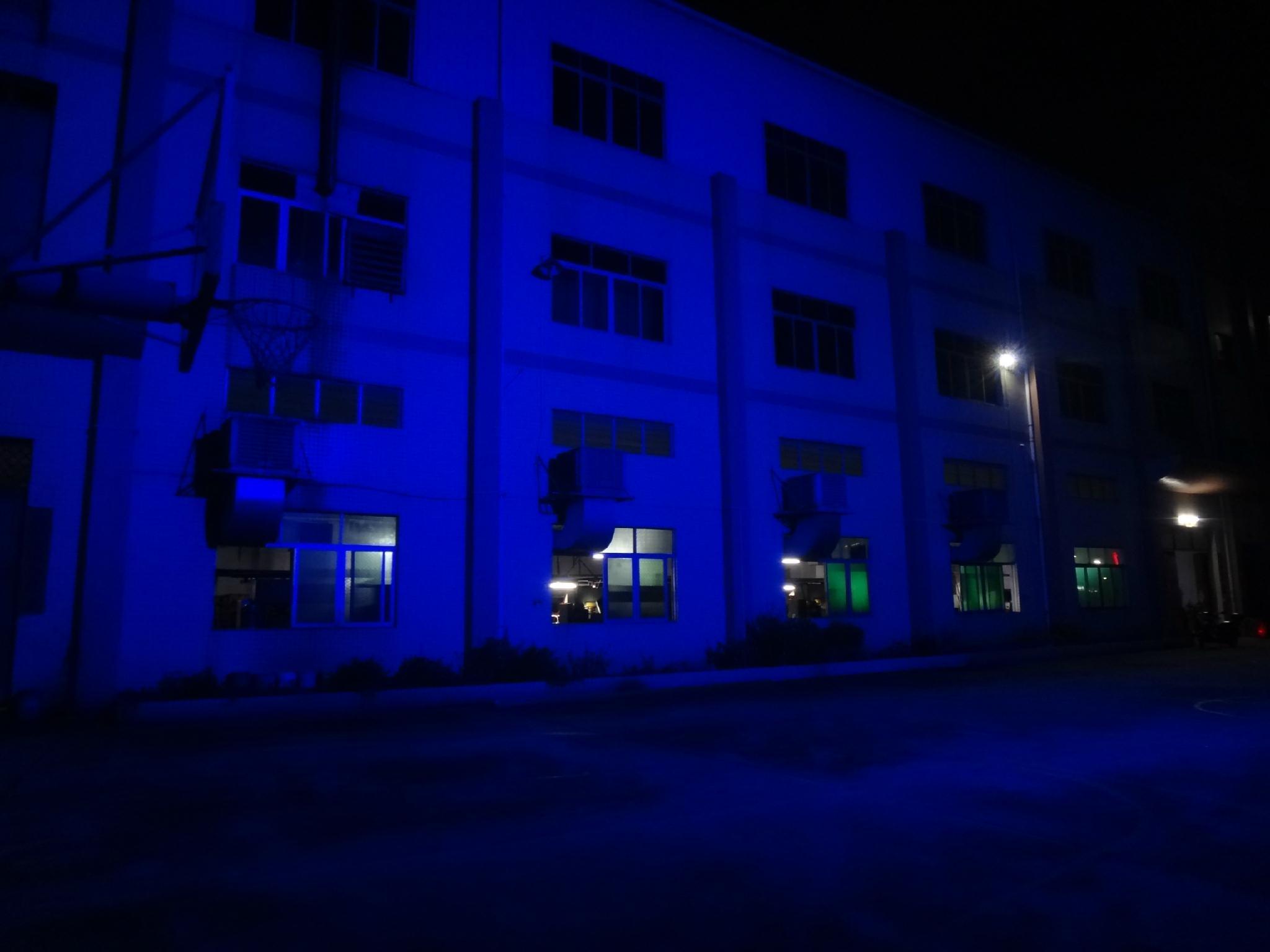 COB BLINDER 4*100W RGB 6