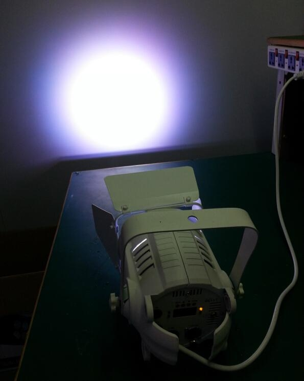 MINI STUDIO PAR 4*10W RGBWA 6