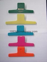 Plastic bag clip