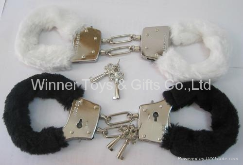 85G METAL HANDCUFF WITH COLOR FUR 3