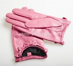 ladies leather gloves with bow decoration