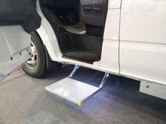 房車用電動折疊腳踏板