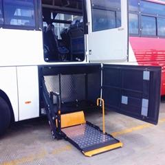客车行李舱内轮椅上车电动升降机