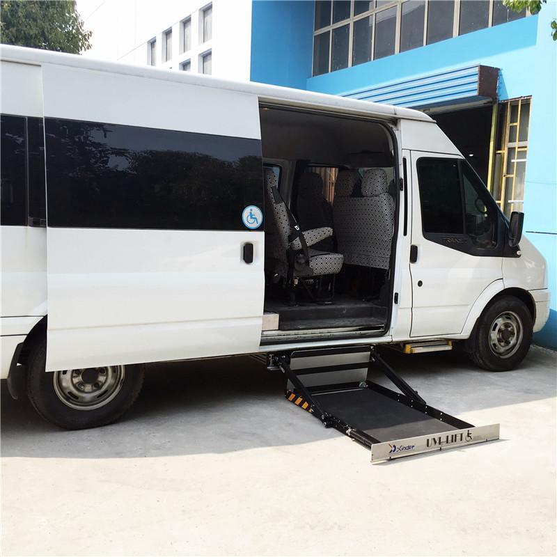 面包车侧门专用超薄型电动轮椅上车平台 3