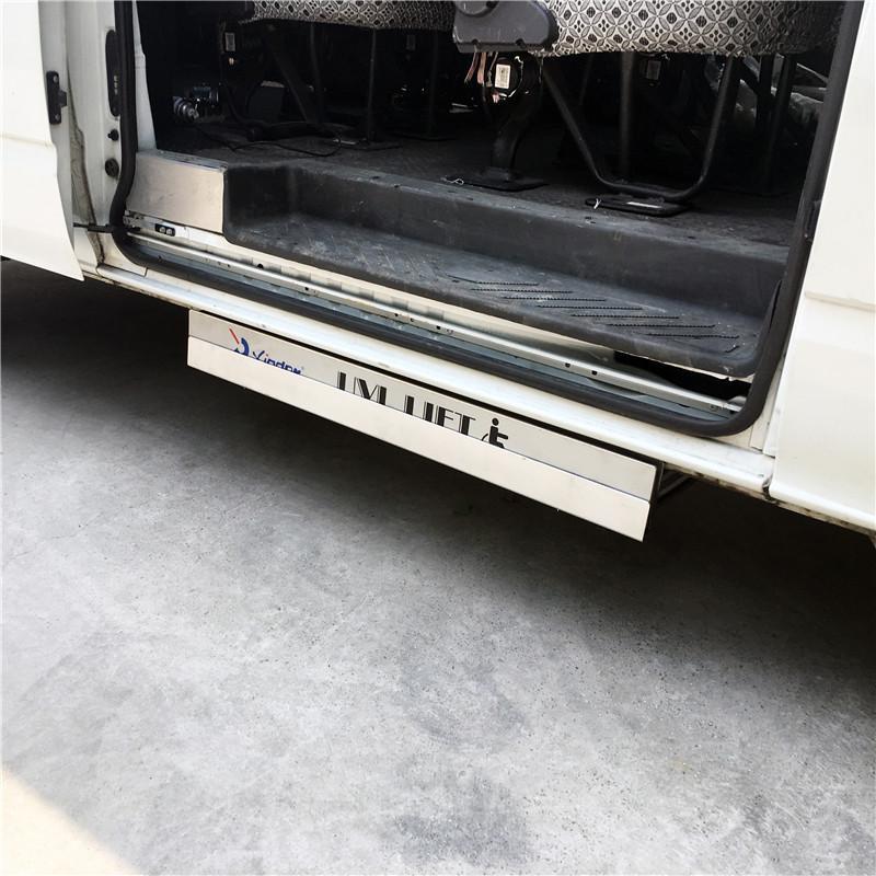 面包车侧门专用超薄型电动轮椅上车平台 5