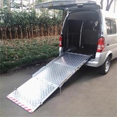 面包车后门专用残疾人轮椅手动上车斜坡导板