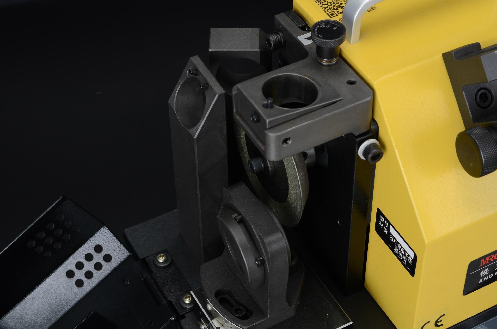 X6R圓鼻銑刀研磨機 2