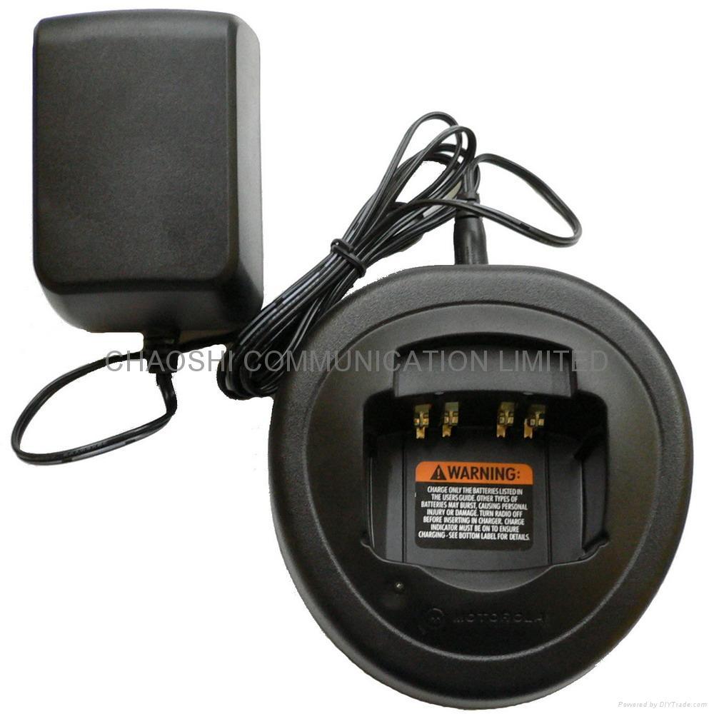 摩托羅拉GP340對講機充電器 1