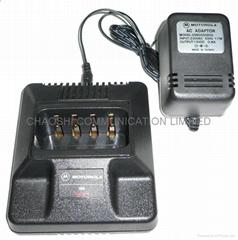 摩托羅拉MT1000對講機充電器