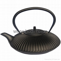 0.77 liter simple cast iron teapot in black