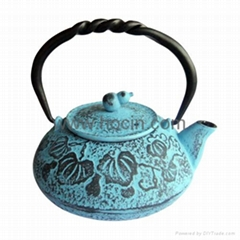 0.55 Liter cast iron teapot with calabash pattern design