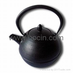 0.7 liter cast iron teapot with pleasing ring pattern