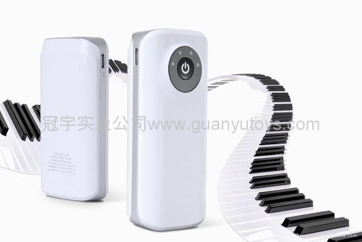 新款A品电芯2400mah鱼嘴移动电源  便捷手机充电宝 4