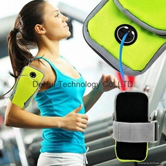 Outdoor Sports armband case bag with headphone plug  for smart phone