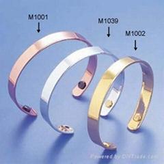 铜制的磁疗手镯