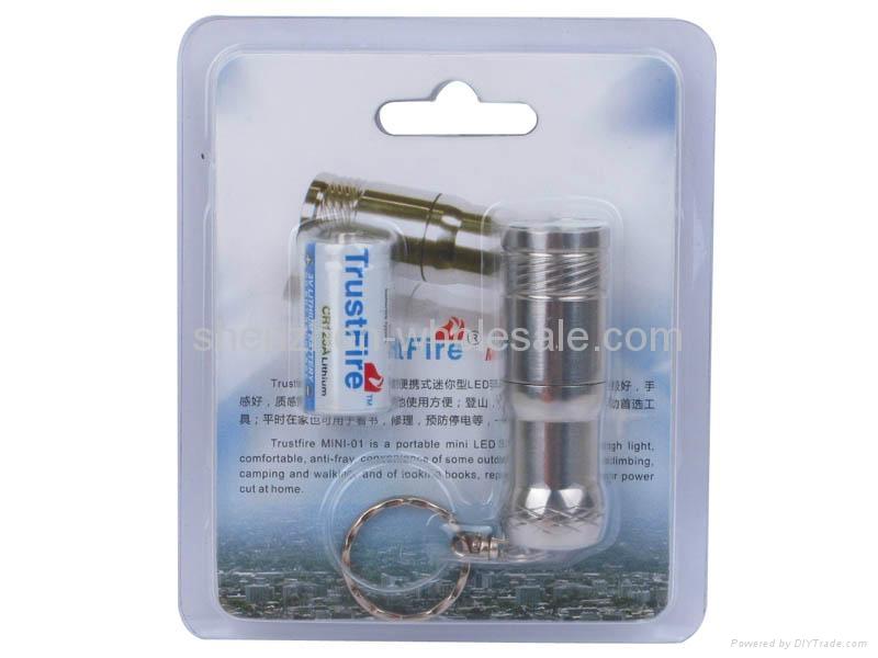 Trustfire Mini-01 Stainless Steel CREE XM-L T6 3-Mode 280-Lumen LED Keychain 4