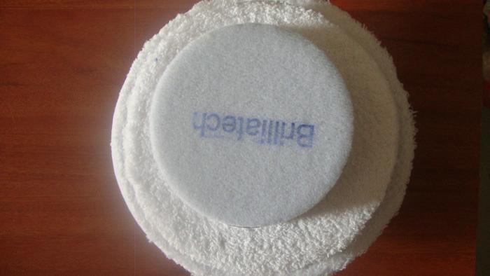 白色仿羊毛盤