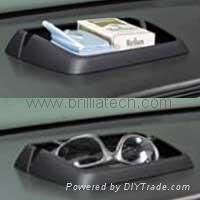 Vehicle-mounted mobile phone mat