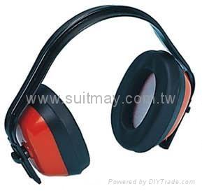 Ear Muff 1