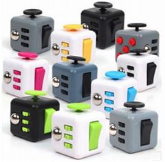 Hot Sale New Design Desk Toys Fidget Cube desk toy