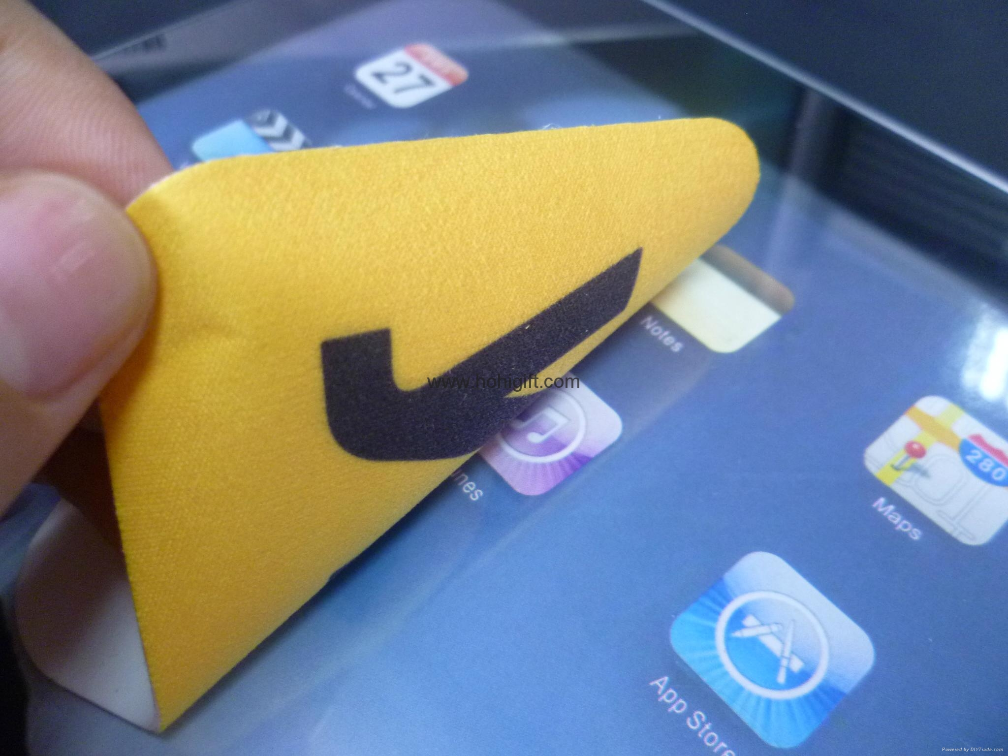 High Quality Customized Logo Microfiber Mobile Phone Sticky Screen Cleaner  2