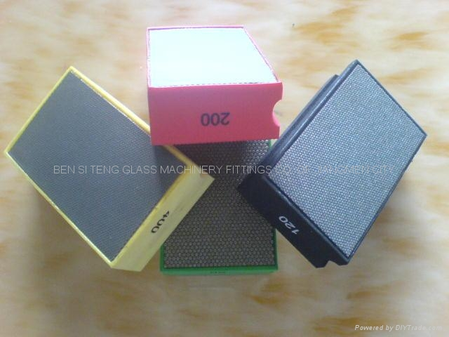 Diamond hand pad for glass polishing