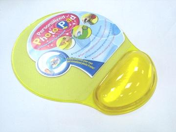 Transparent Mouse Pad with Removable Wrist Rest - GELMP-TG02 1