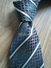Grey Grid Polyster Neckt