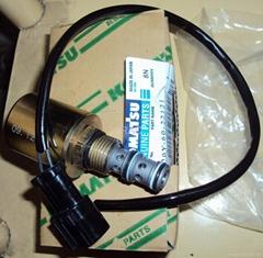 小松PC200-6旋转电磁阀