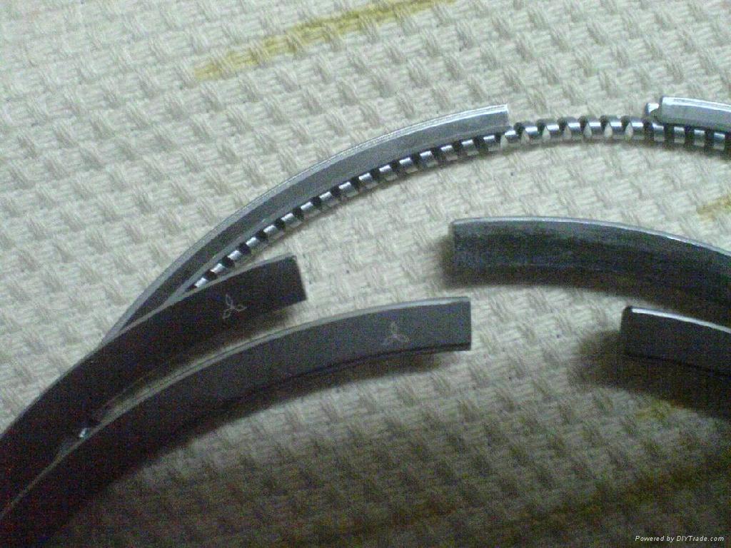 Piston rings for Mitsubishi fuso 4D33 2