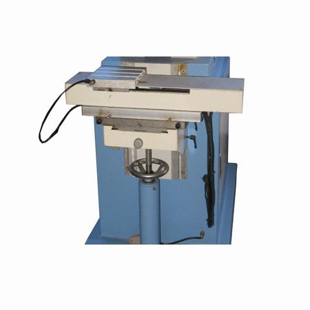 獨立壓印穿梭移印機(SPM2-200/2PT) 2