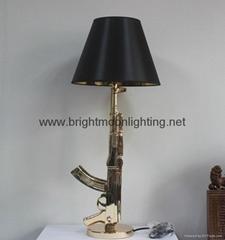 Gun Table Lamp 设计师 树脂 AK47 枪台灯 BM-3029T B