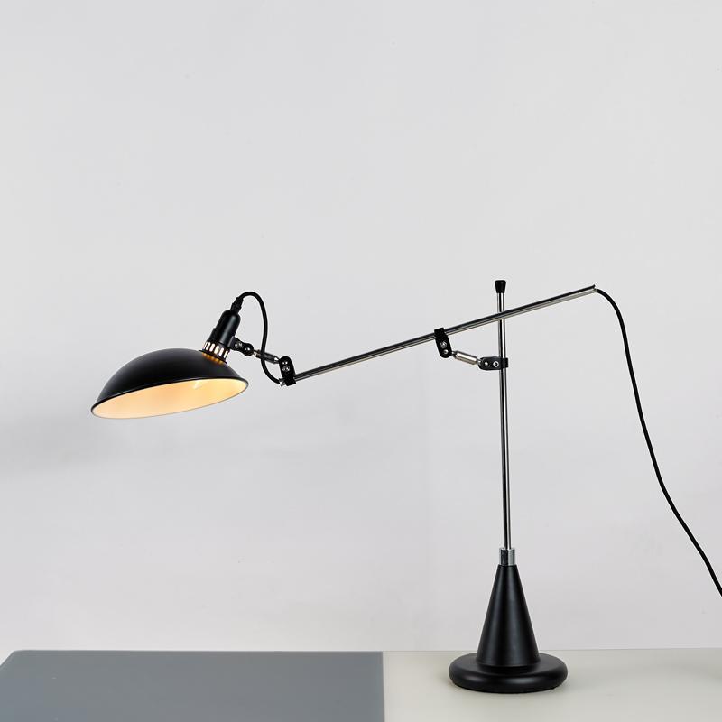 北欧后现代经典铝材不锈钢床头台灯 3