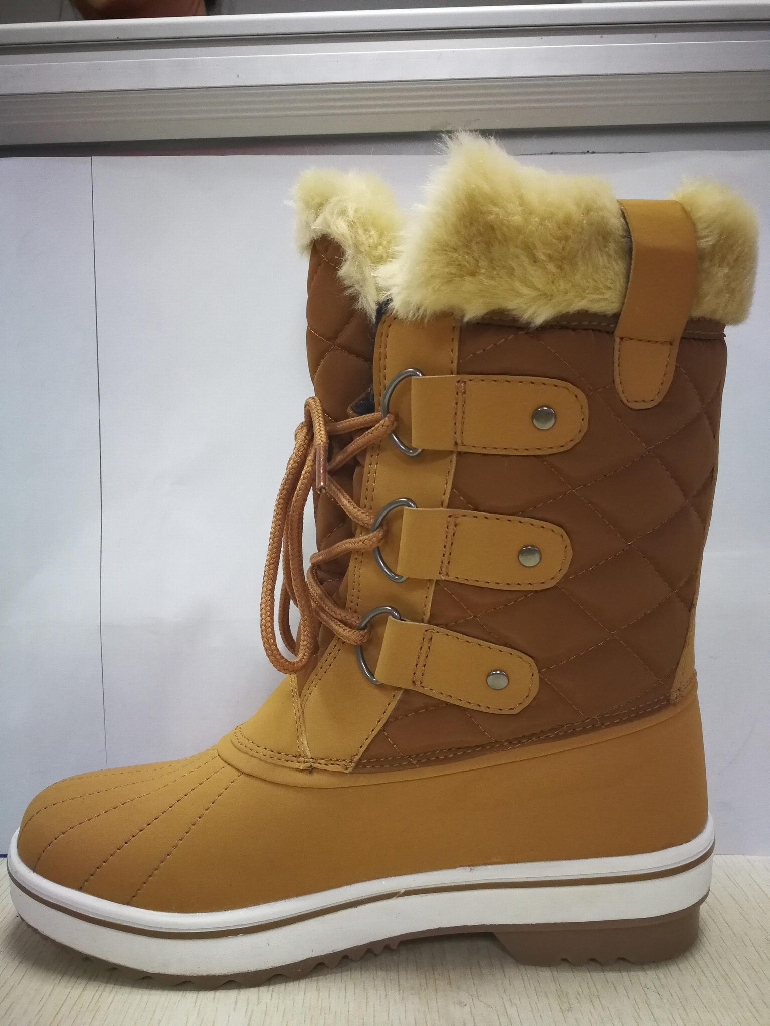 SNOW BOOTS 8