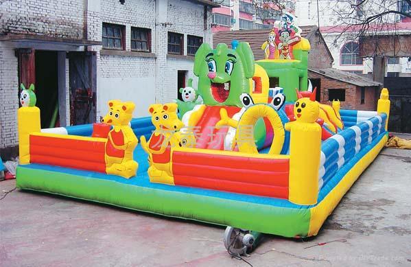 河南龙泰玩具厂专业生产大型充气玩具充气跳床 蹦蹦床 5
