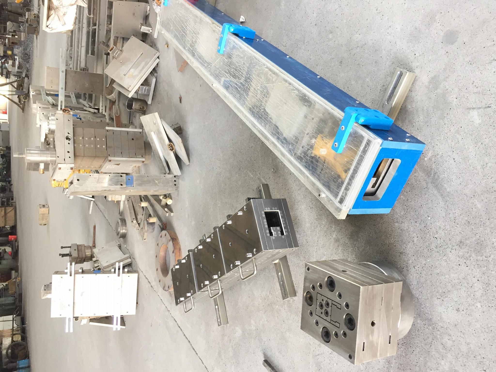 塑钢型材挤出模具 4