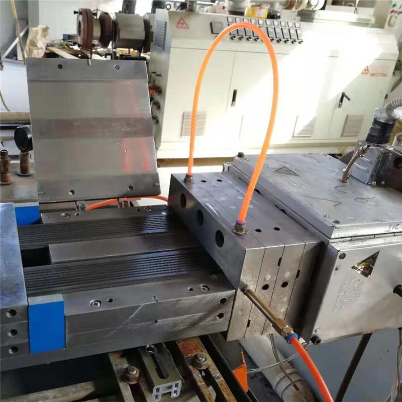 hot sale wpc decking extrusion mould  8
