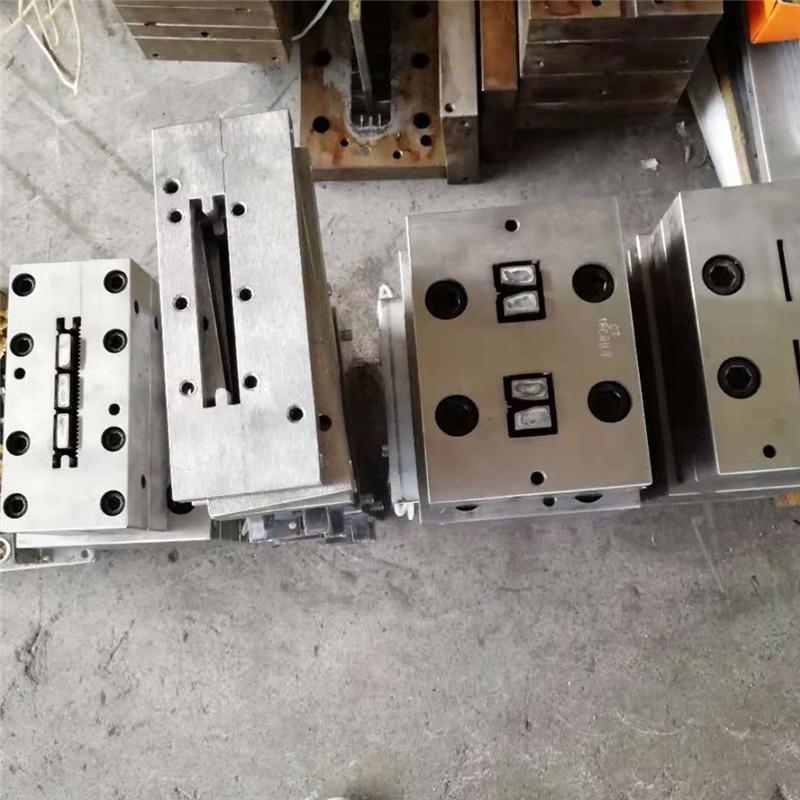 hot sale composite decking flooring extrusion mould  5