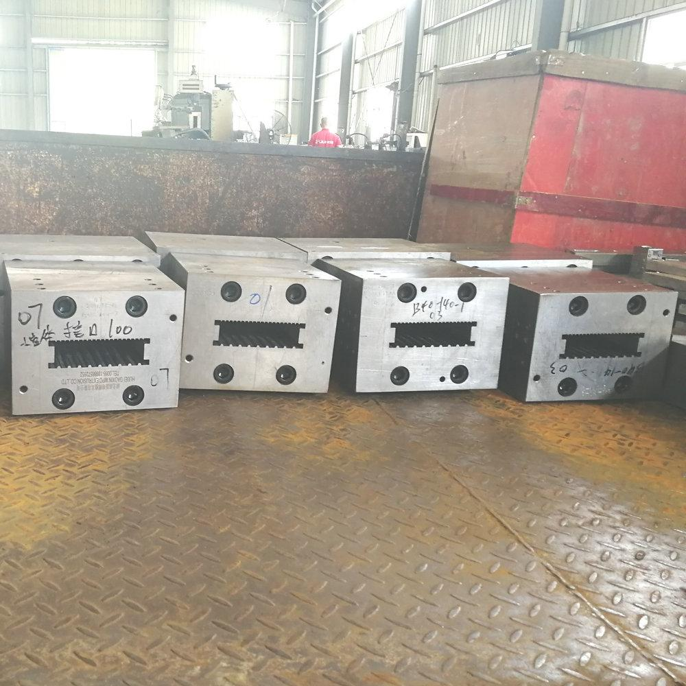 high quality composite  plastic decking molding tool plastic mouldings plastic e 4