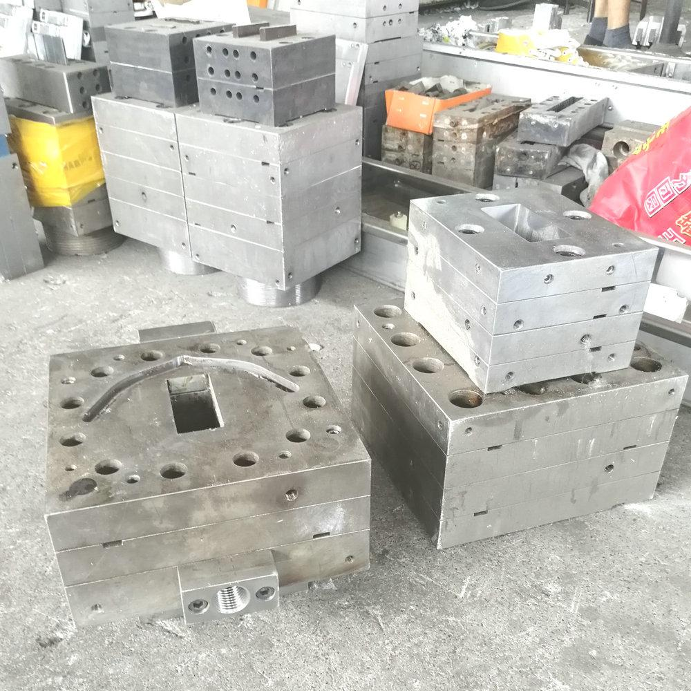 hot saleplastic aluminium decking extrusion mould  10