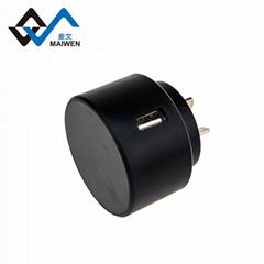 时尚圆形欧规充电器 2.1A单USB接口 出国旅行必备