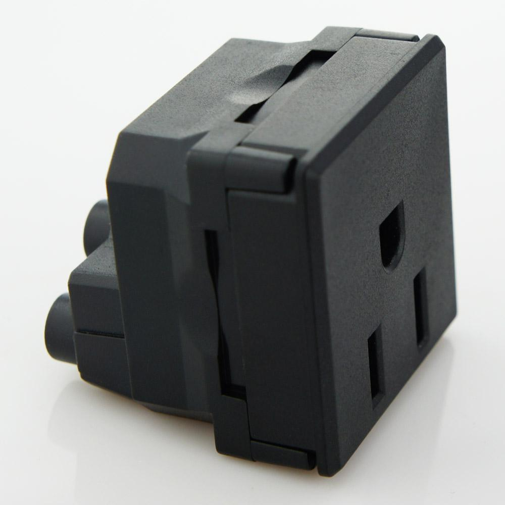 美规卡入式工业插座 1